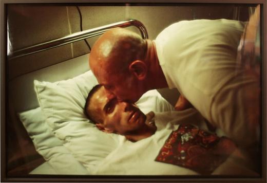 Gostscho kissing Gilles, Paris,